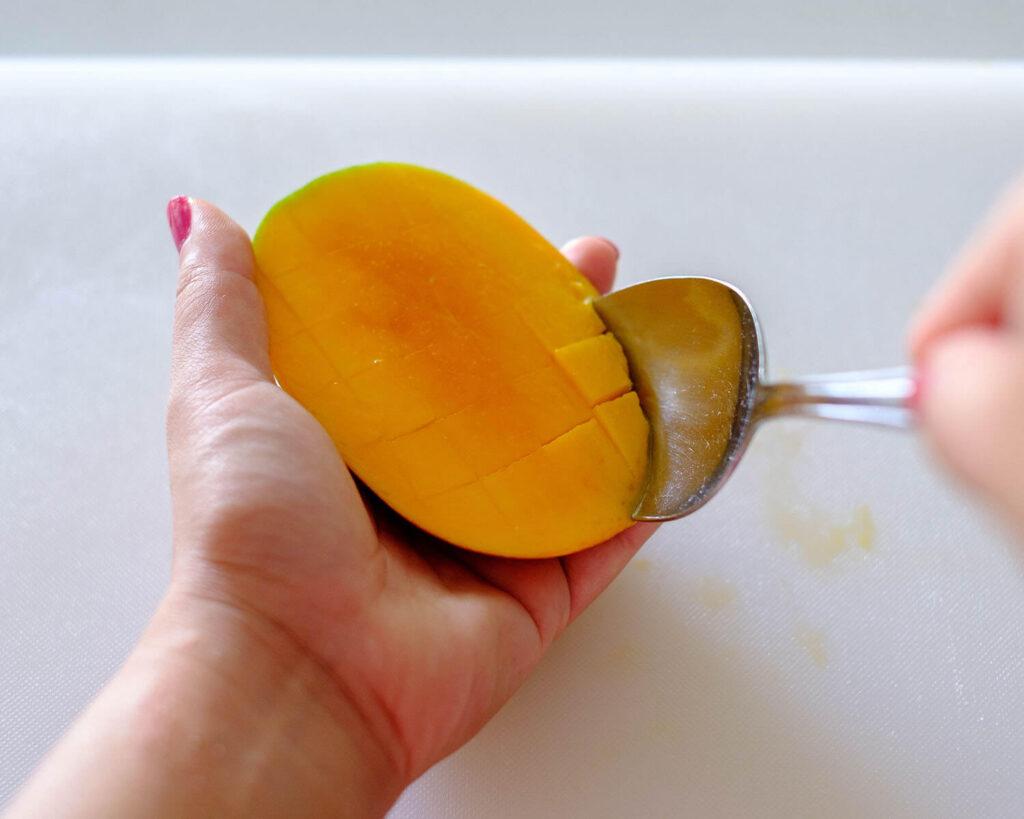 scoop mango