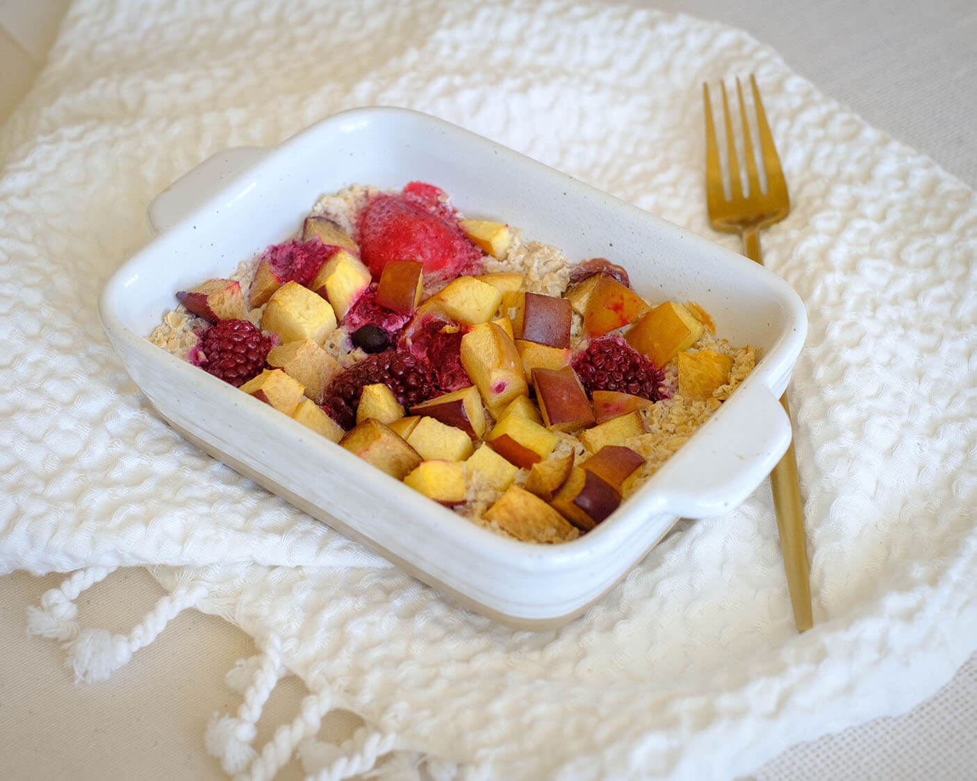 baked oats and fruit